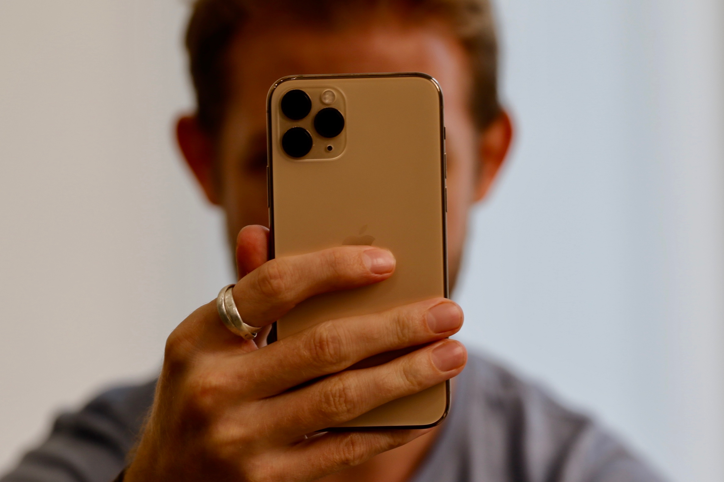سعر ومواصفات iPhone 11 Pro